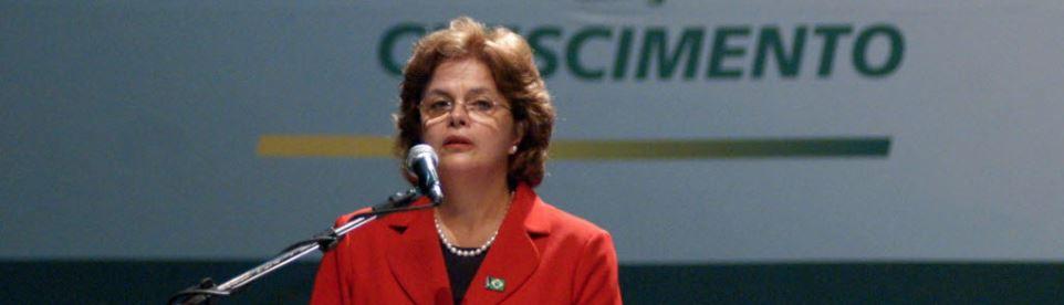 Em 2007, Dilma, então ministra de Lula, em evento do PAC no Recife Foto de Aldo Carneiro - 12.07.07/Folhapress