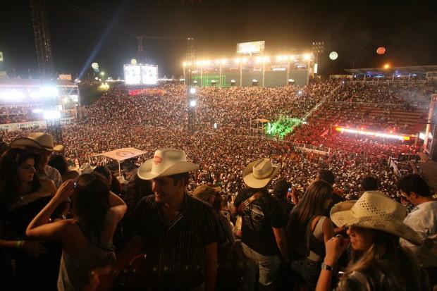 Em 2010, estádio ficou superlotado no show de Luan Santana - Silva Júnior/Folhapress