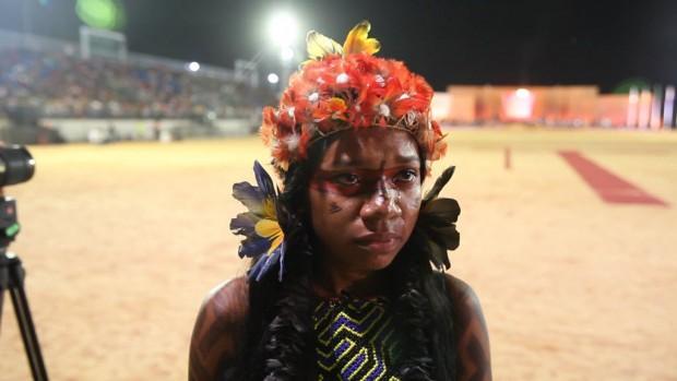 A aluna de biologia Aritxawaki Carajá, 20, do Tocantins - Eduardo Knapp/Folhapress